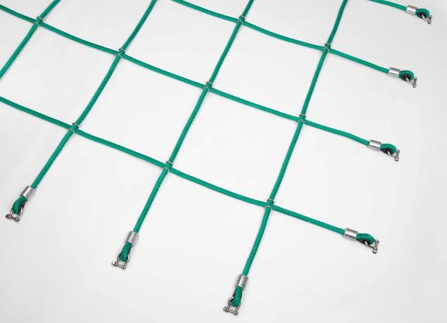 Maßgerfertigtes Kletternetz mit Edelstahl-Klammern | Schutznetze24