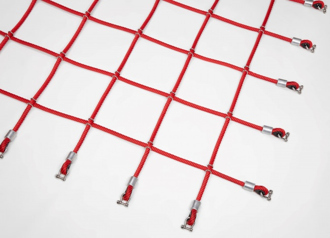 Custom-Made Scrambling Net with Stainless Steel Clamps | Safetynet365