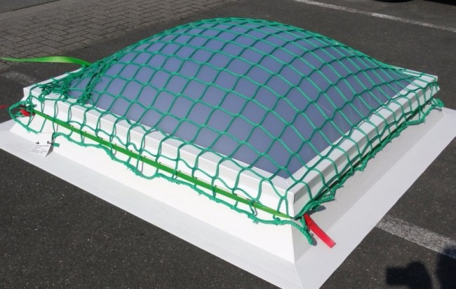 Safety Net for Securing Light Domes 2.00 x 2.00 m | Safetynet365