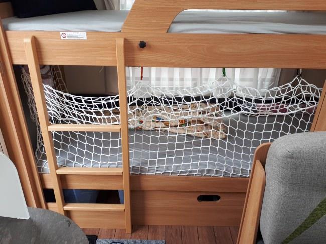 Wohnwagen Etagenbett Netz : Hochbett schutznetz per m² nach maß schutznetze24