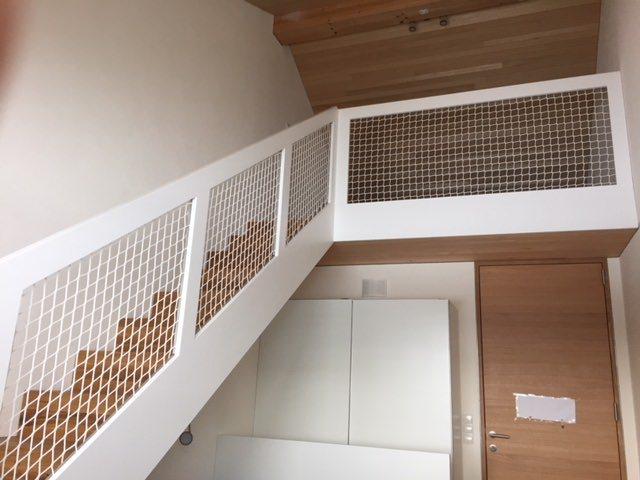 schutznetz f r treppen treppenh user per m schutznetze24. Black Bedroom Furniture Sets. Home Design Ideas